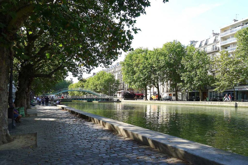 Les bords du canal Saint-Martin à Paris