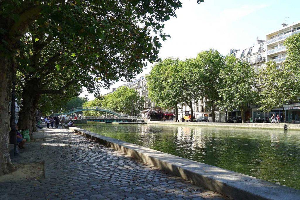 Les bords du canal Saint-Martin à Paris