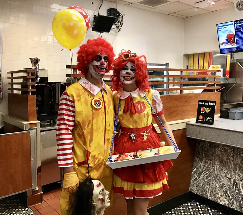 Clown effrayant pendant Halloween à NY
